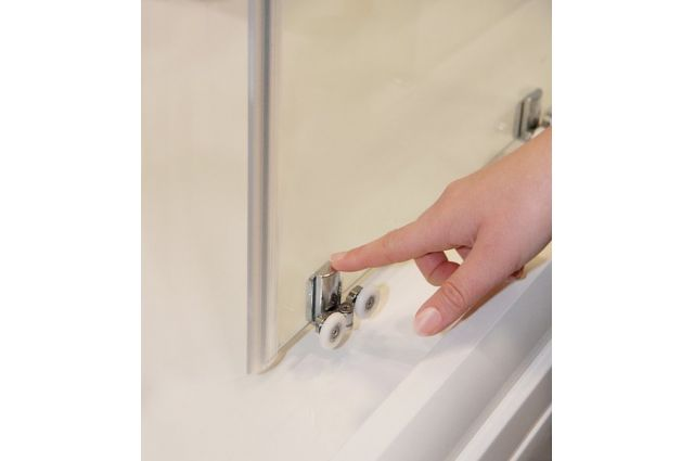Stumdomos dušo durys Ravak Blix Slim, BLSDP2-100 blizgus +Transparent
